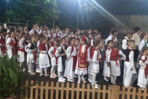 Smotra folklora okupila brojne učesnike i publiku u Kozarskoj Dubici